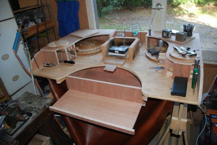 Рабочее место и стол ювелира