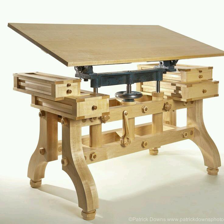 Оригинальный рабочий стол верстак с регулируемой столешницей и по высоте, и по углу наклона
