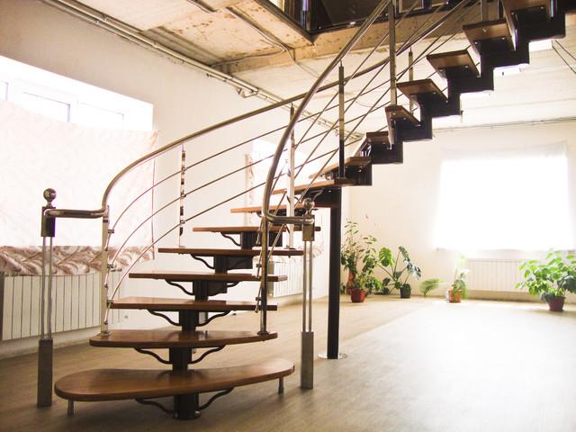 Металлические маршевые винтовые и модульные лестницы: