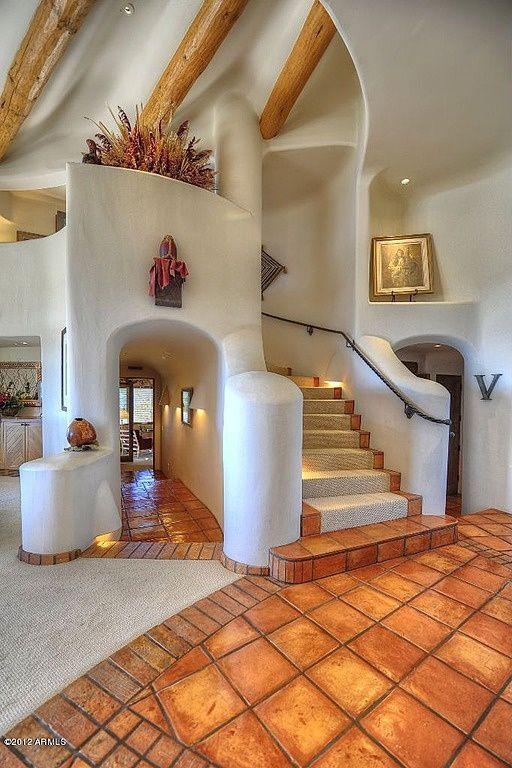идеальный стилистический прием - это когда лестница полностью интегрирована в общий интерьер