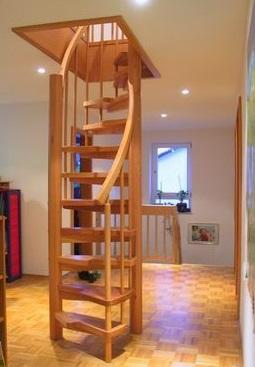 S-образные винтовые лестницы - отличное решение когда есть ограничения по площади размещения лестницы