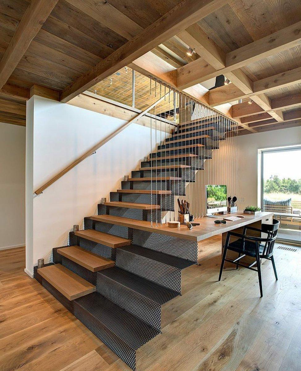 Кабинет c лестницей