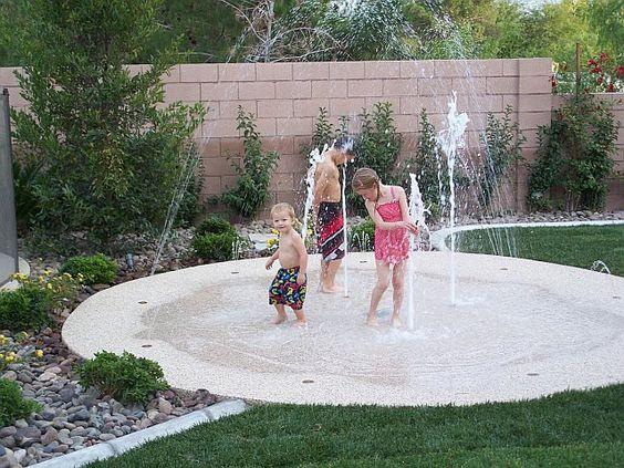 Что может быть лучше, чем купание и игры с водой летом? Несколько идей