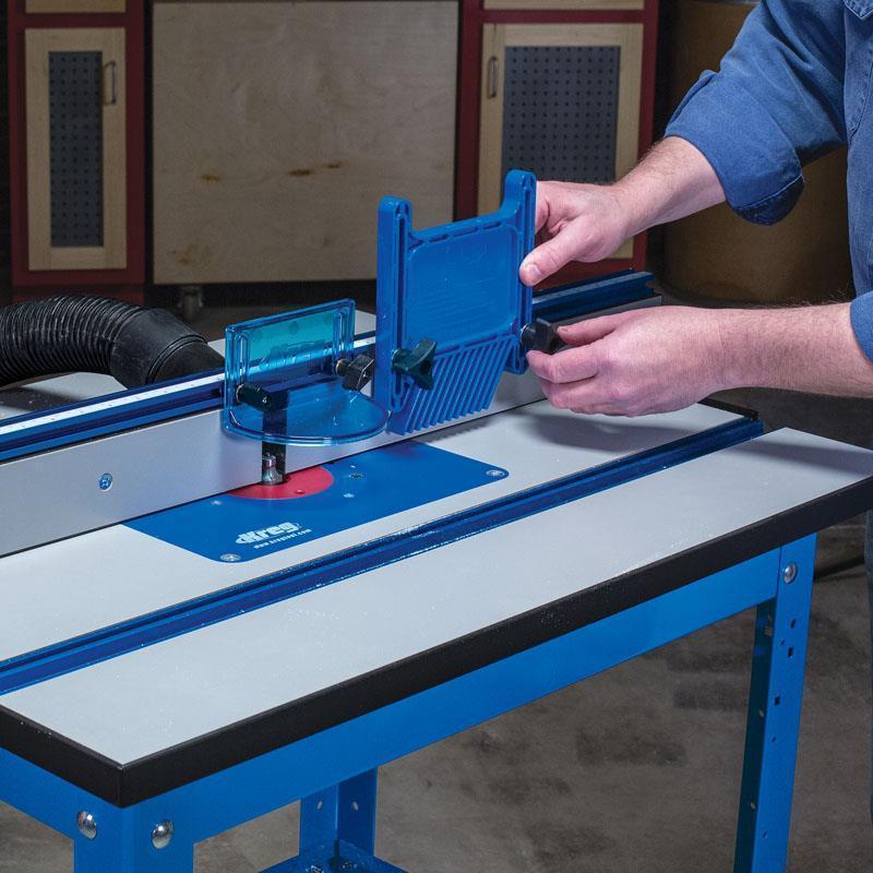 на боковой упор могут устанавливаться гребенка и упоры для удержания заготовки