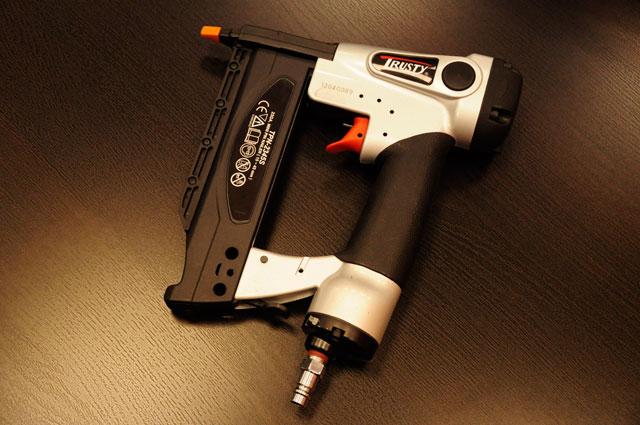 Шпилькозабивной пистолет Trusty