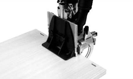 Расширитель стола увеличивает опорную поверхность и повышает безопасность работы с фрезером DOMINO