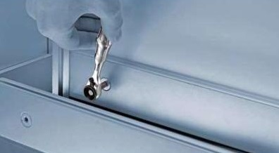 Ключ мини - трещотка с насадкой 8001 A