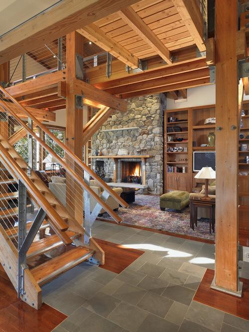 Лестница как часть интерьера первого этажа