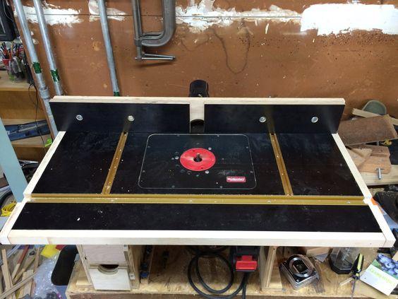 Для домашних мастерских и мобильных столов как правило применяют столешницы из ламинированного мдф или фанеры