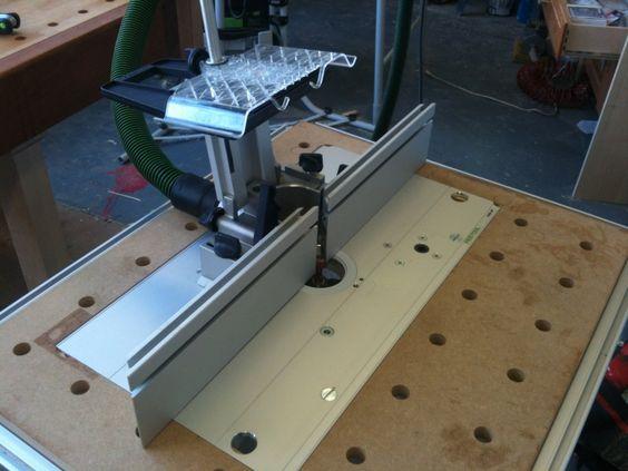 Стационарный вариант с креплением к съемной пластине для удобного демонтажа фрезера