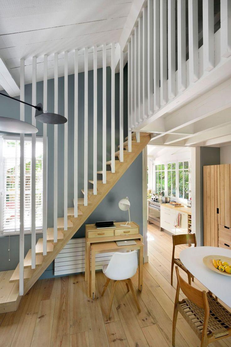 Лестницы в интерьере кухни и столовой