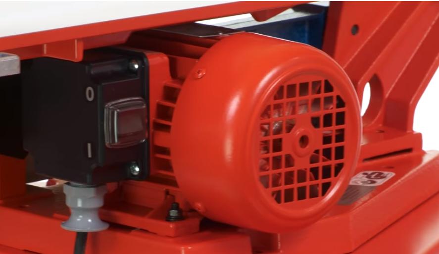 Немецкий брэнд Hegner (Хэгнер) — общепризнанный эталон в сфере производства настольных электрических лобзиковых станков. Эти изделия характеризуются высочайшей точностью пиления, надежной системой безопасности, длительным сроком службы, то есть истинно немецким качеством.