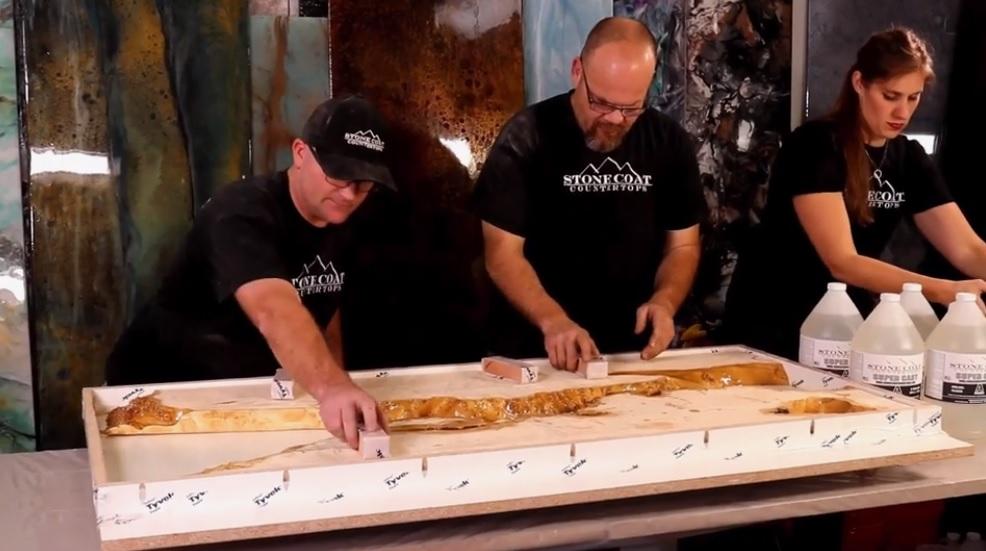 Как изготовить столешницу из слэба с эпоксидной заливкой пошаговые фото инструкции
