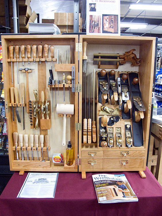 обзор ящика для столярных инструментов Генри О. Стадли