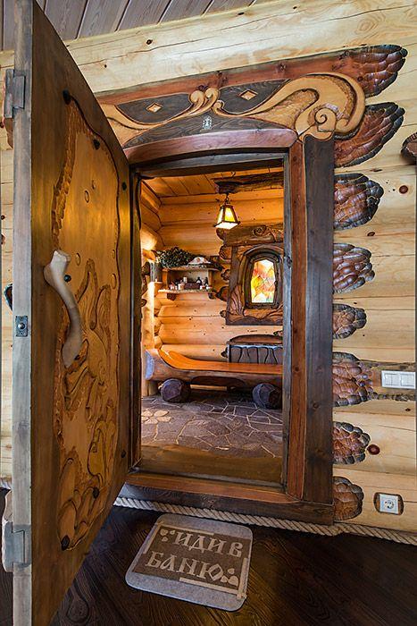 двери из кусков дерева слэбов сделаны вручную