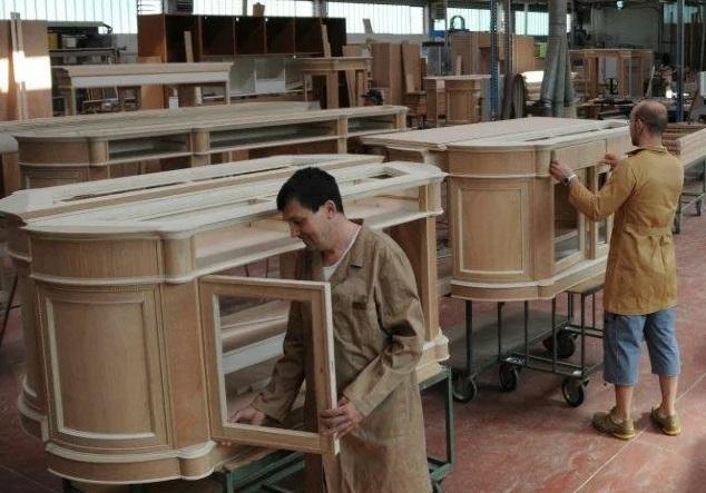 Полезные инструменты и станки для мебельщиков