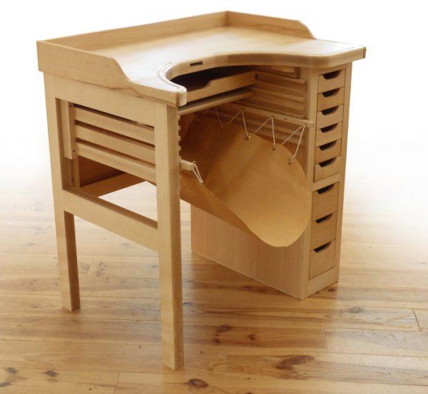 СУПЕР Мастерская, реализованная на основе инструментов и оборудования FESTOOL, мастера из Бельгии, который изготавливает рабочие столы для ювелиров