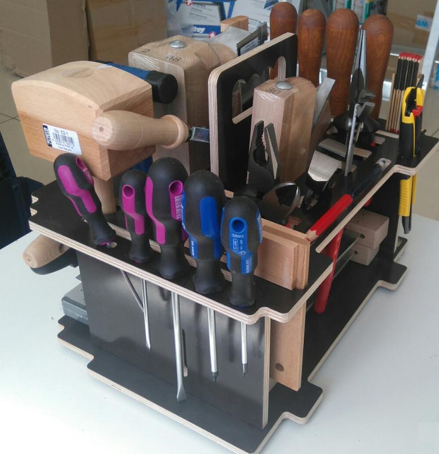 Pinie – чешский производитель деревянных столярных инструментов.