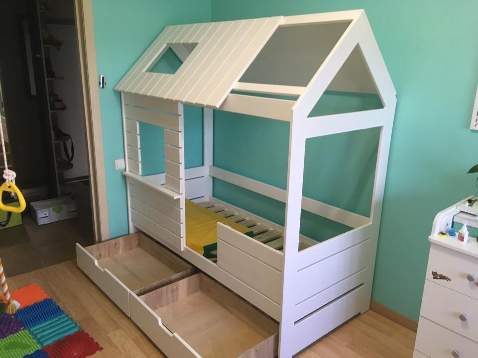 Детский домик кровать с индивидуальным дизайном