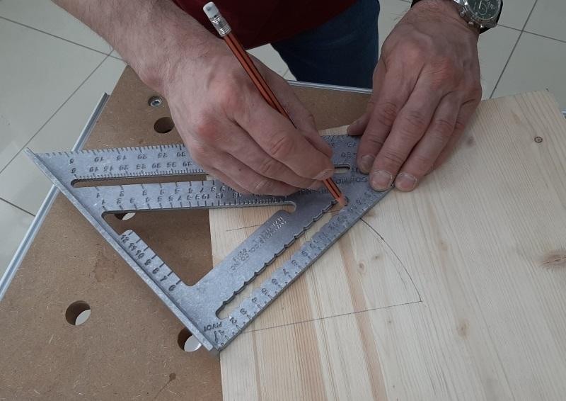 Угольник метрический для плотника и столяра