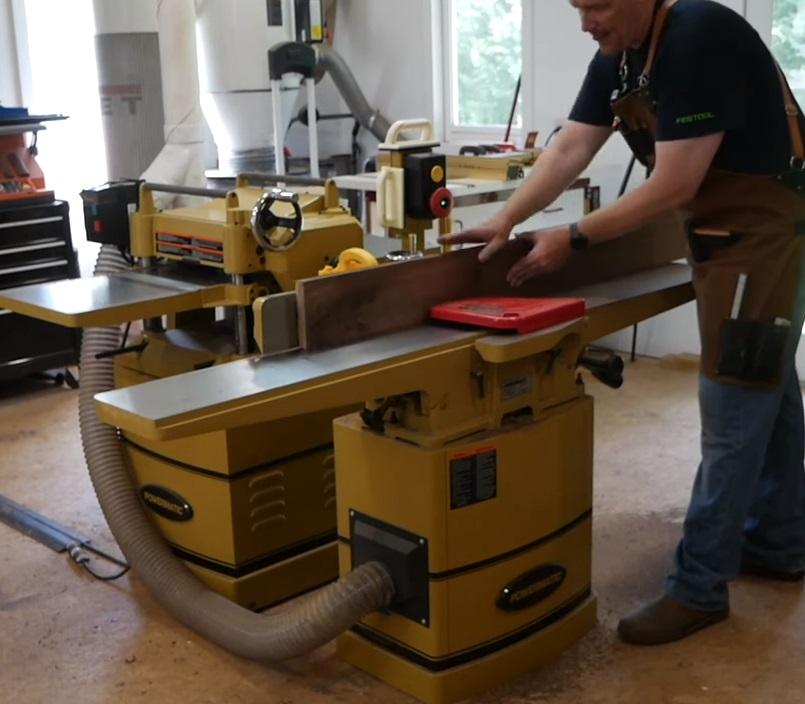 Фуговальный станок 230 В 2.4 кВт JET Powermatic 60HH 1610086K  имеет длинный чугунный стол