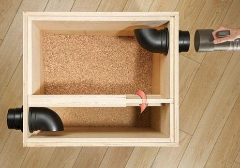 Сепаратор может быть и максимально простой конструкции в виде ящика с двумя камерами