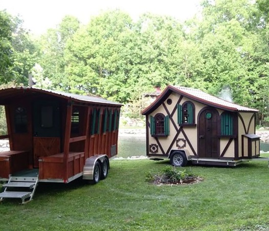 Небольшое пространство может быть и мобильным - дом на колесах