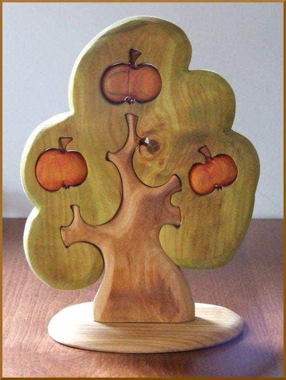 Для малышей и детей чуть постарше актуальны мозаичные плоские фигурки - семьи