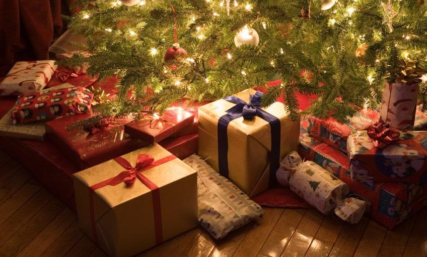 новогодний подарок мужчине под елку