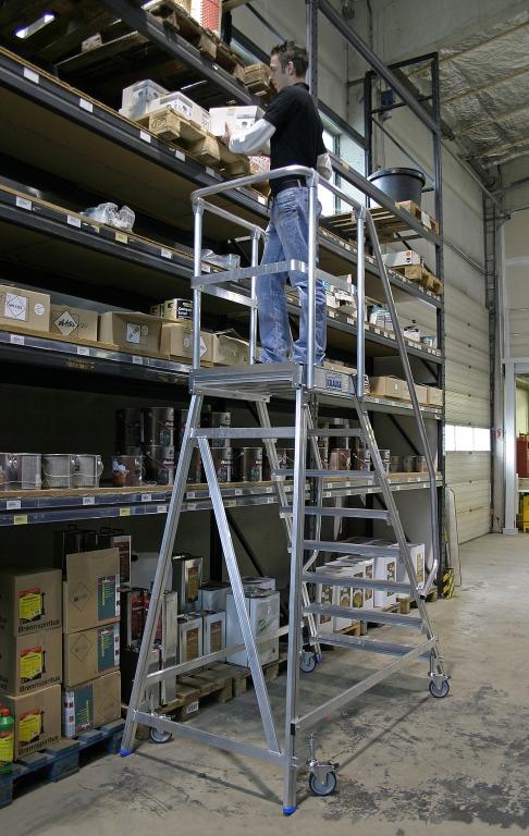 Лестница-платформа Krause STABILO с пятью алюминиевыми ступеньками 820150