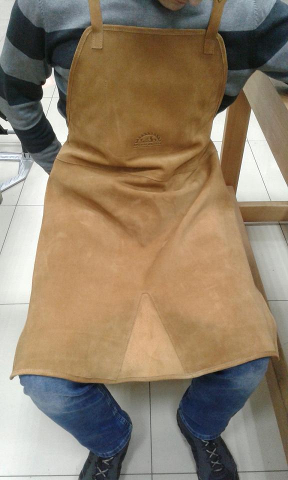 Фартук до колен  из замшевой кожи коричневый