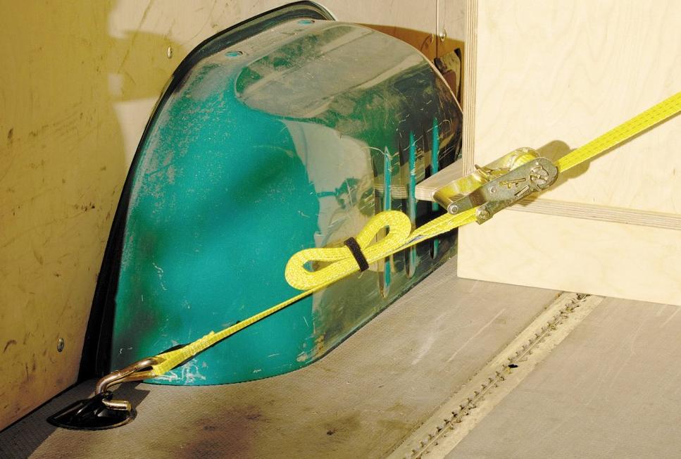 Wolfcraft (Вольфкрафт) – популярный европейский бренд ручного инструмента в сегменте DIY. Более 60 лет производитель специализируется на выпуске удобных в работе приспособлений, многие из которых стали инновационными. Технологии производства совершенствуются и адаптируются к современным требованиям. Wolfcraft выпускает Верстаки (легко транспортировать, удобны в работе), Зажимные приспособления ( имеют продуманную конструкцию и надежно скрепляют детали), Строительные ножи (остро заточены и имеют удобные рукояти). Сегодня инструменты Wolfcraft выпускаются на двух заводах – в Германии и Словакии.