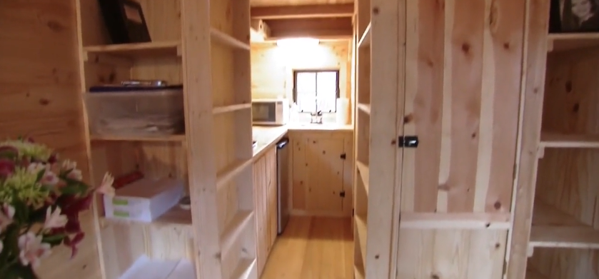Фургон дом на колесах