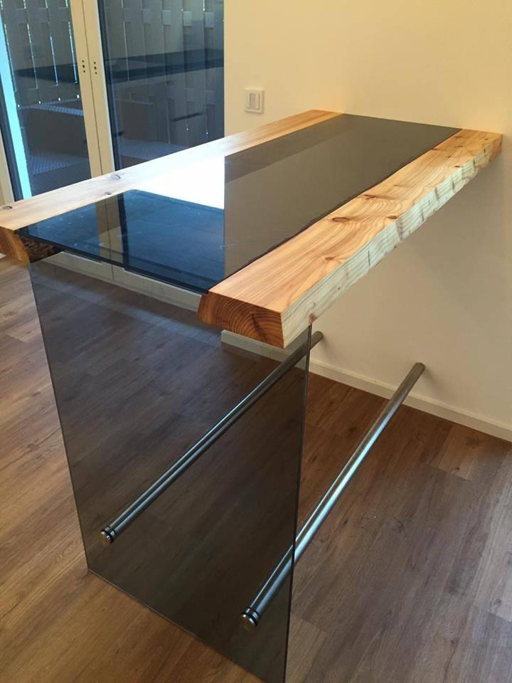 Festool Fanprojekt : проект высокого стола для кухни из дерева и стекла от немецкого мастера Torsten