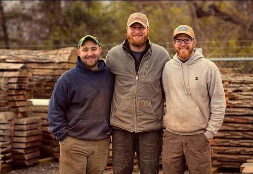 URBN TIMBER и ее основателей - трех предпринимателей из Колумбуса, штат Огайо