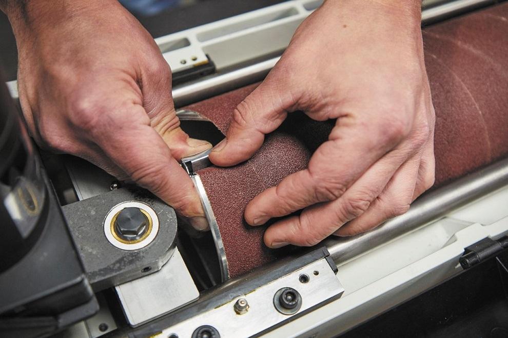 Барабанный шлифовальный станок с осцилляцией JWDS-2244OSC-M.