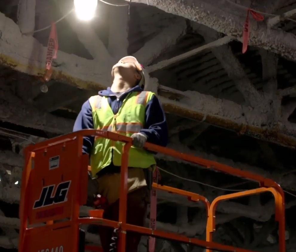 Высокомощный фонарь Milwaukee HOBL 7000