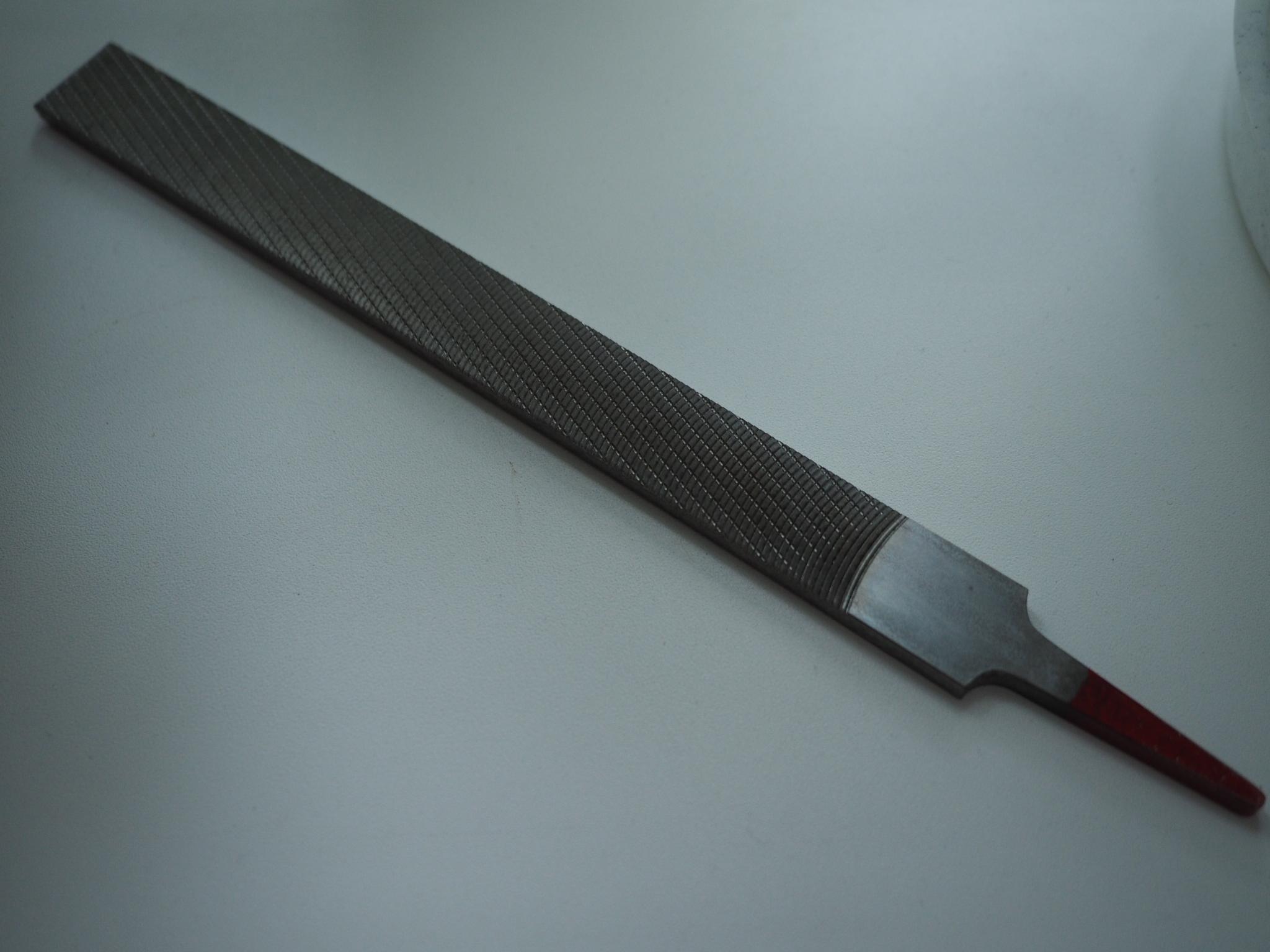 отзыв Рашпиль японский Iwasaki красный прямой плоский 200 х 20 мм шаг 1,2 мм